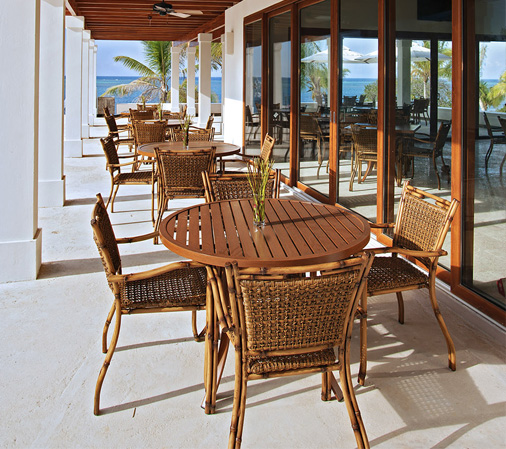 Lanai arm chair lacor furniture for Outdoor lanai furniture